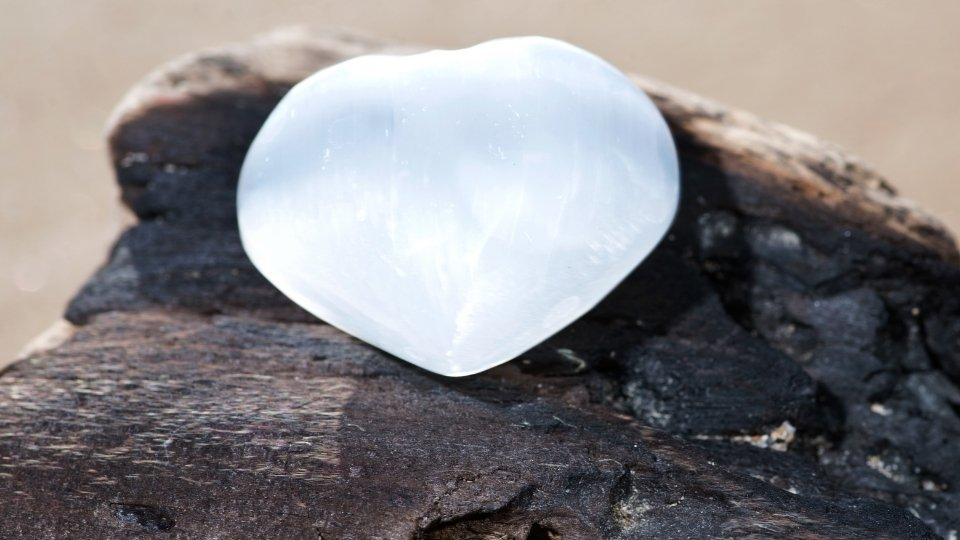 cleansing crystals with selenite heart stone